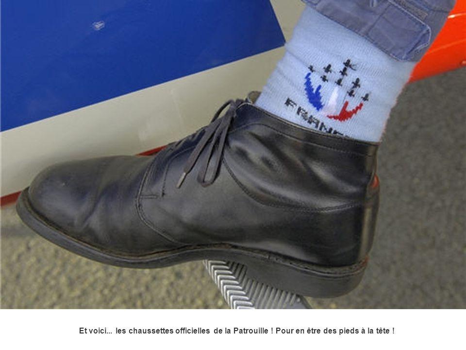Et voici. les chaussettes officielles de la Patrouille