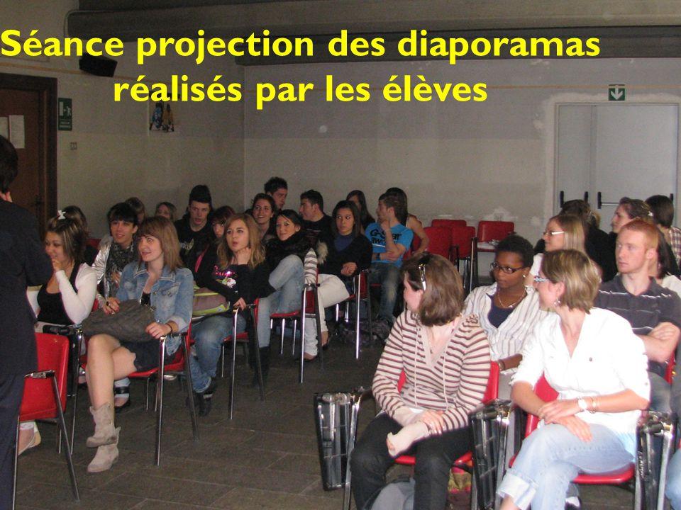 Séance projection des diaporamas réalisés par les élèves