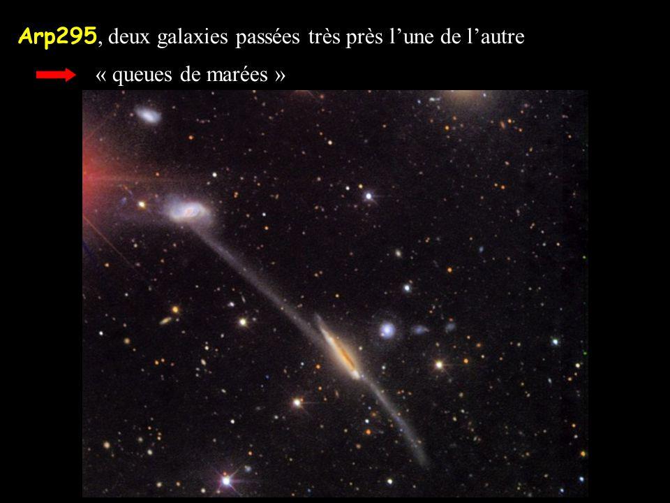 Arp295, deux galaxies passées très près l'une de l'autre