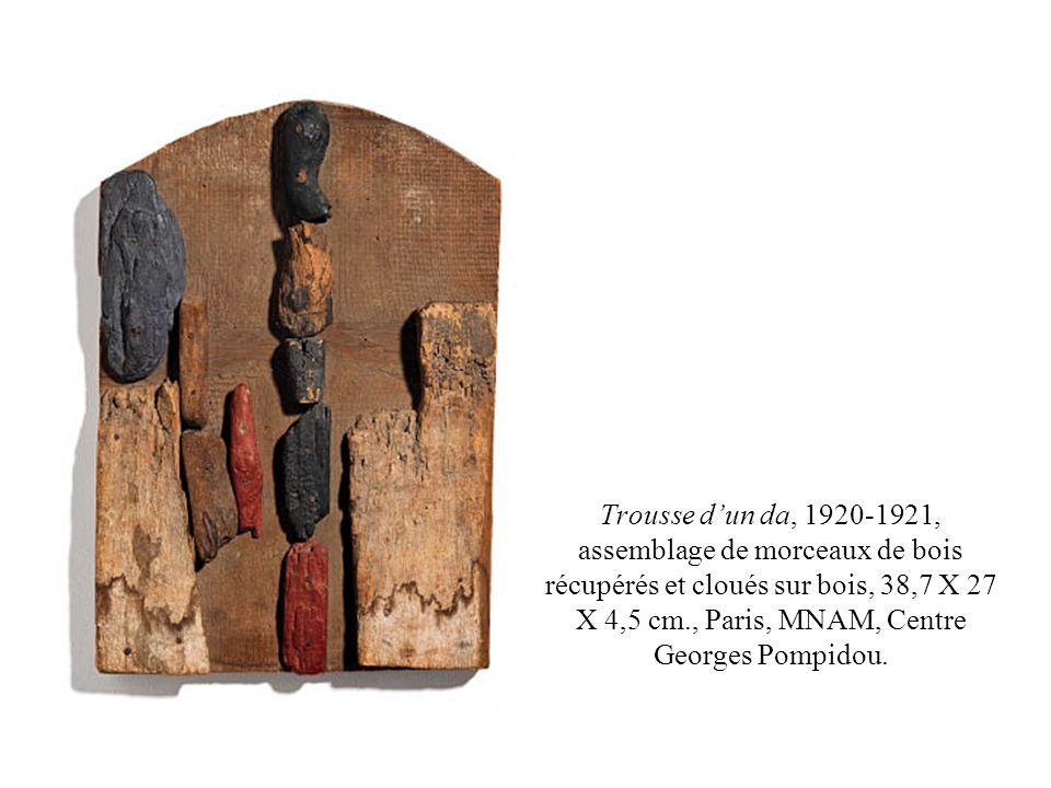 Trousse d'un da, 1920-1921, assemblage de morceaux de bois récupérés et cloués sur bois, 38,7 X 27 X 4,5 cm., Paris, MNAM, Centre Georges Pompidou.