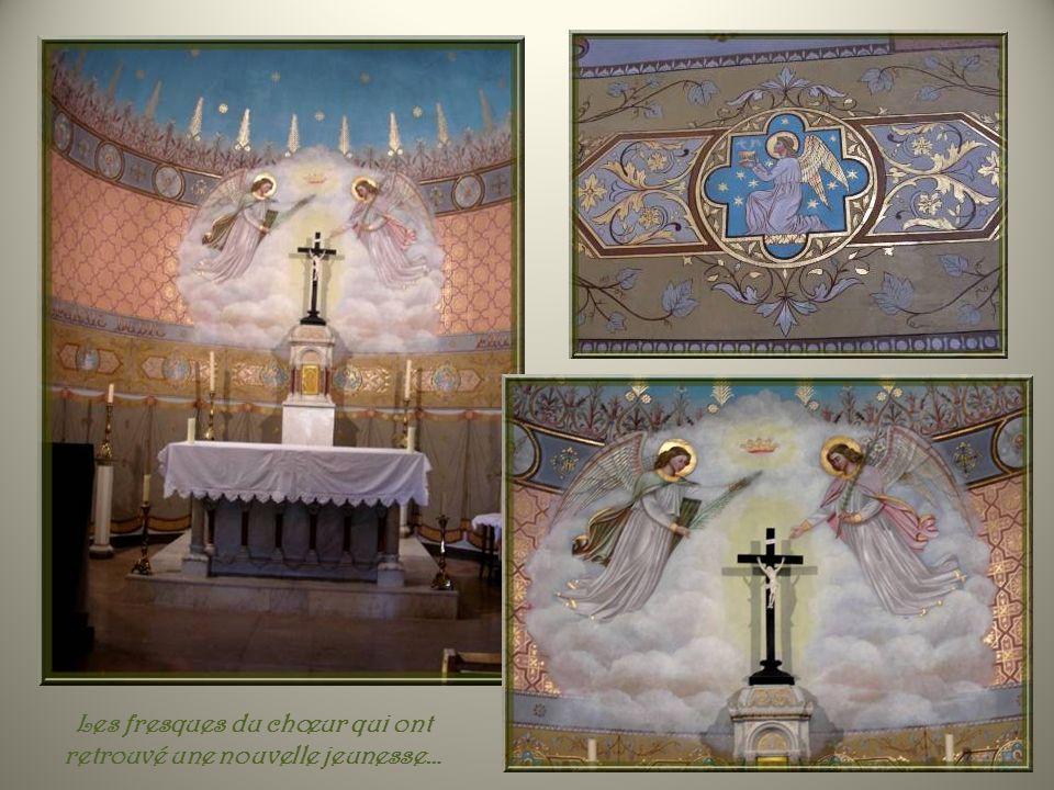 Les fresques du chœur qui ont retrouvé une nouvelle jeunesse…