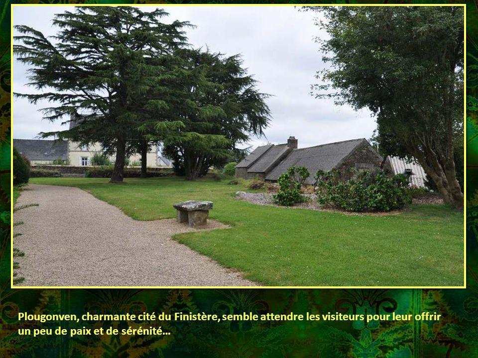 Plougonven, charmante cité du Finistère, semble attendre les visiteurs pour leur offrir