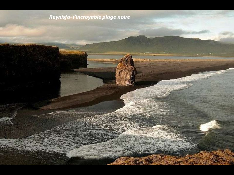 Reynisfa- l'incroyable plage noire