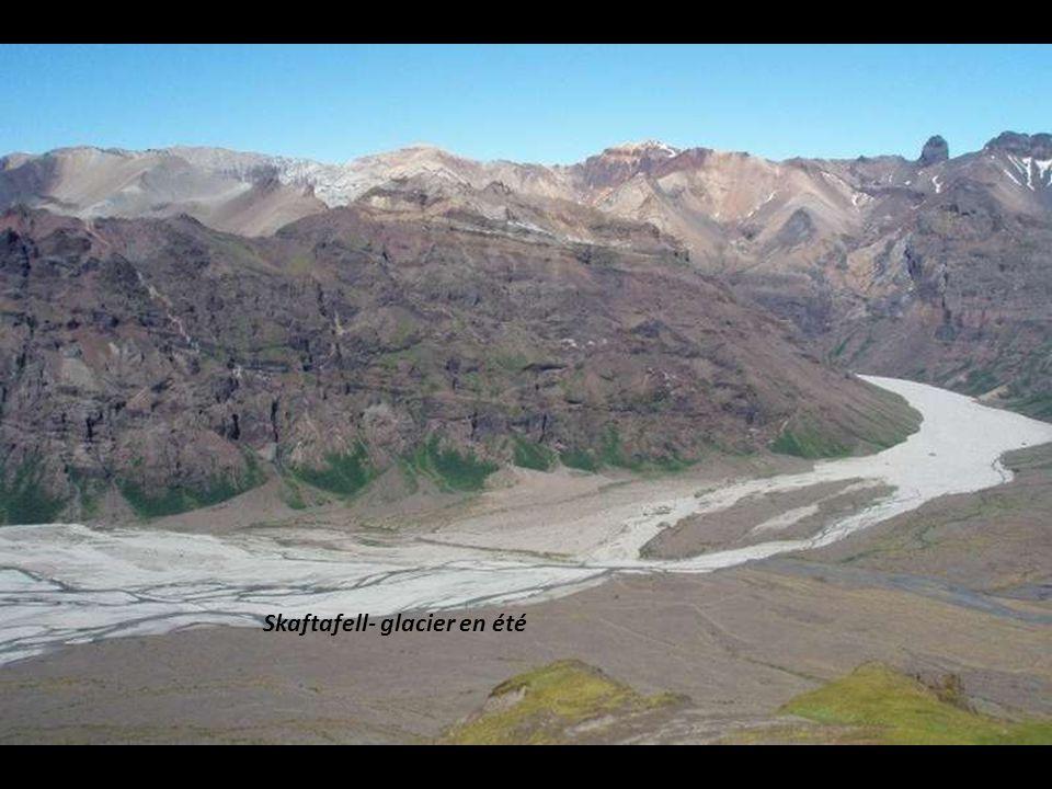 Skaftafell- glacier en été