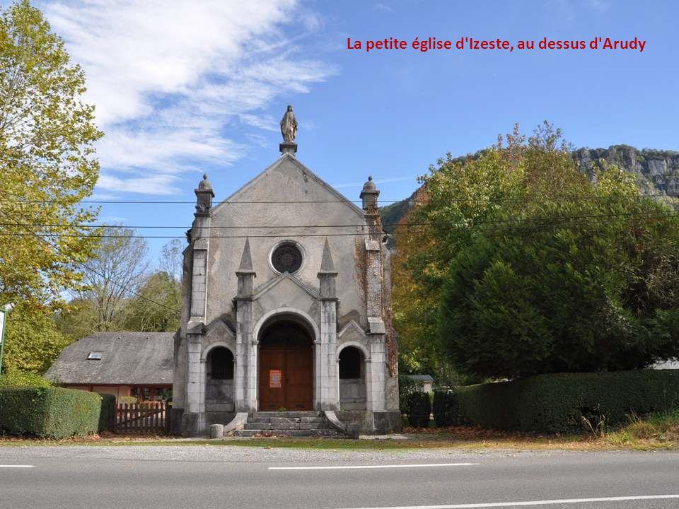 La petite église d Izeste, au dessus d Arudy