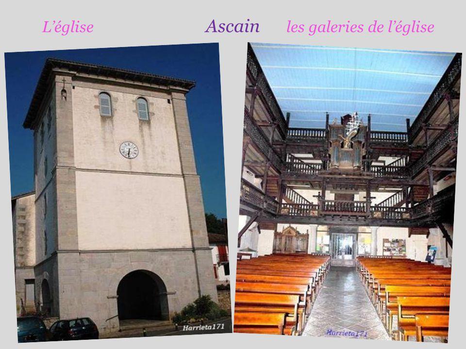 L'église Ascain les galeries de l'église