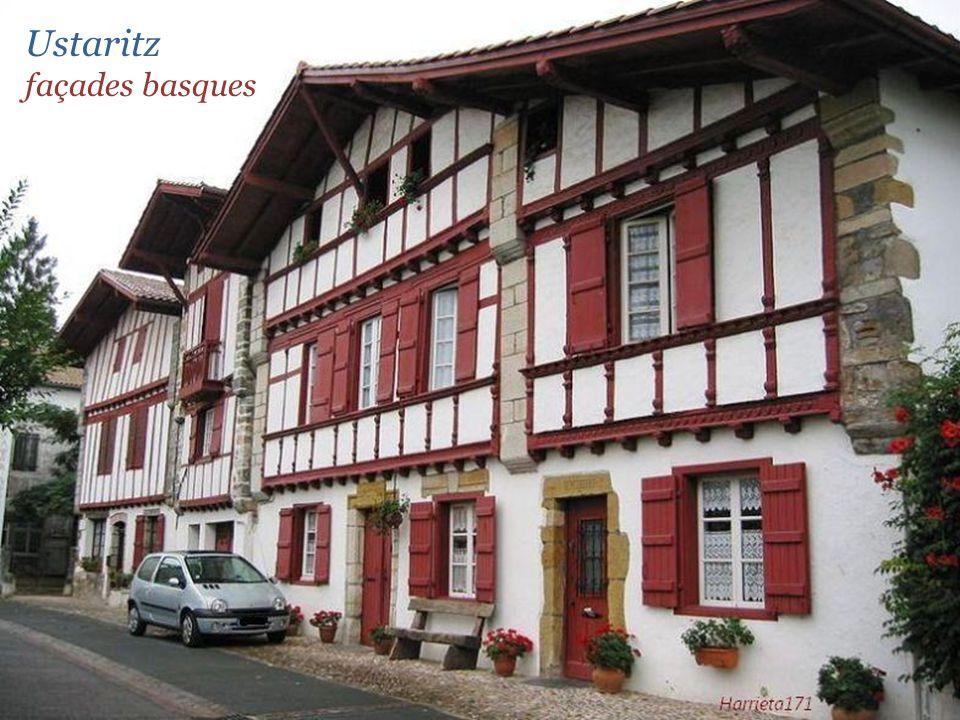 Ustaritz façades basques