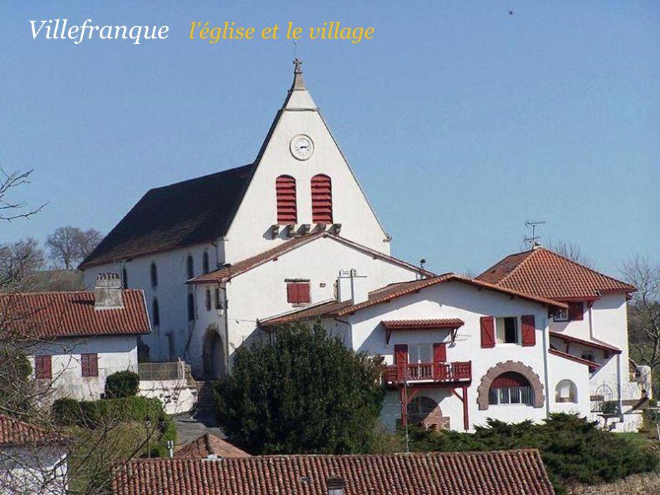 Villefranque l'église et le village