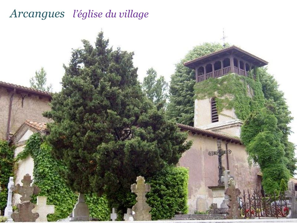 Arcangues l'église du village