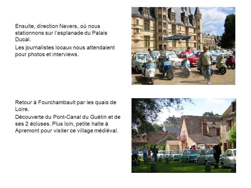 Ensuite, direction Nevers, où nous stationnons sur l'esplanade du Palais Ducal.