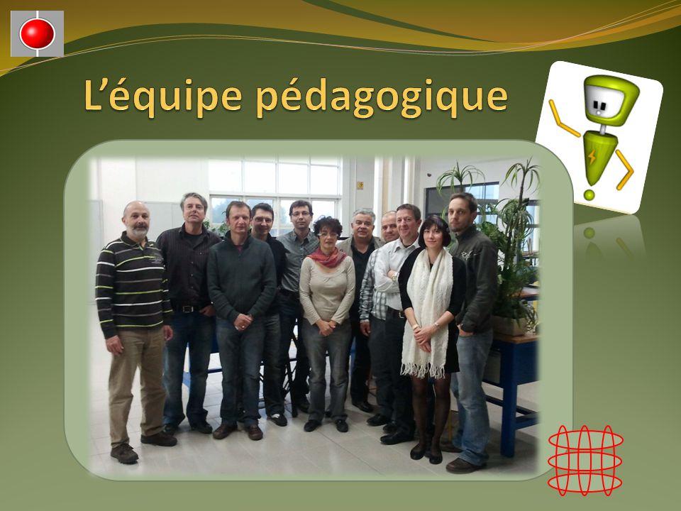 L'équipe pédagogique Photo de groupe