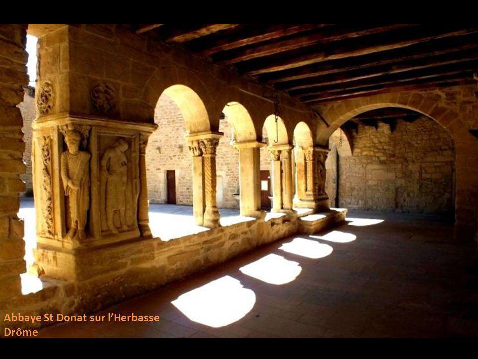 Abbaye St Donat sur l'Herbasse
