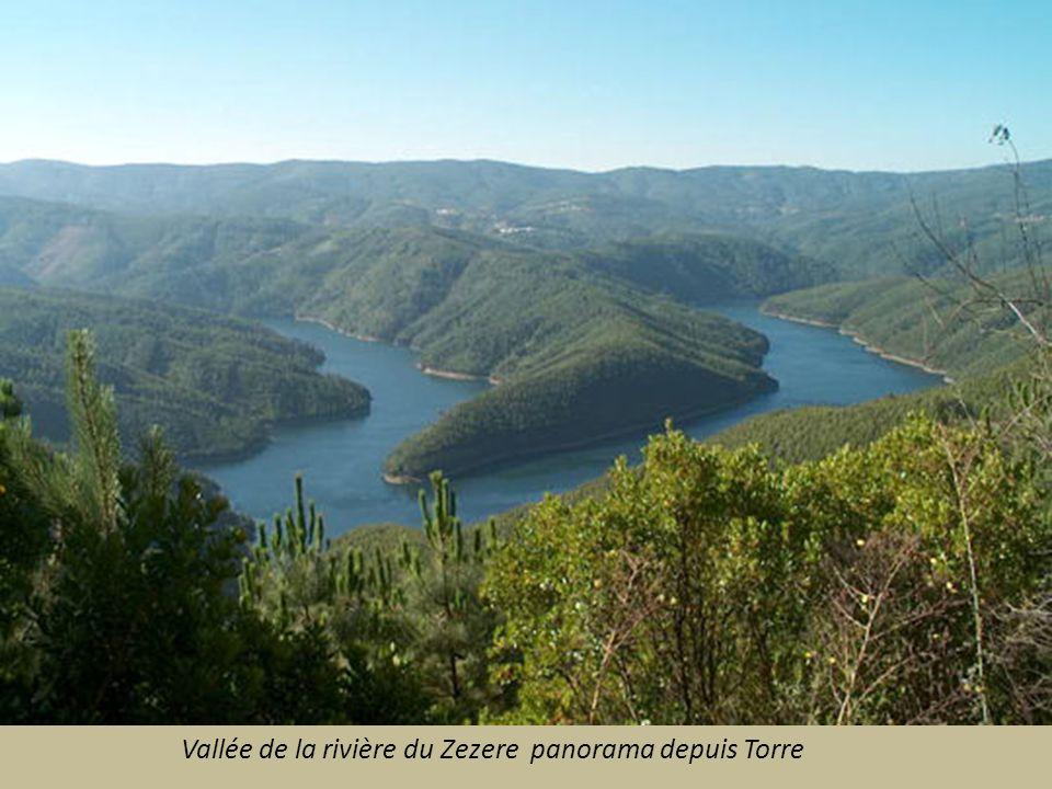 Vallée de la rivière du Zezere panorama depuis Torre