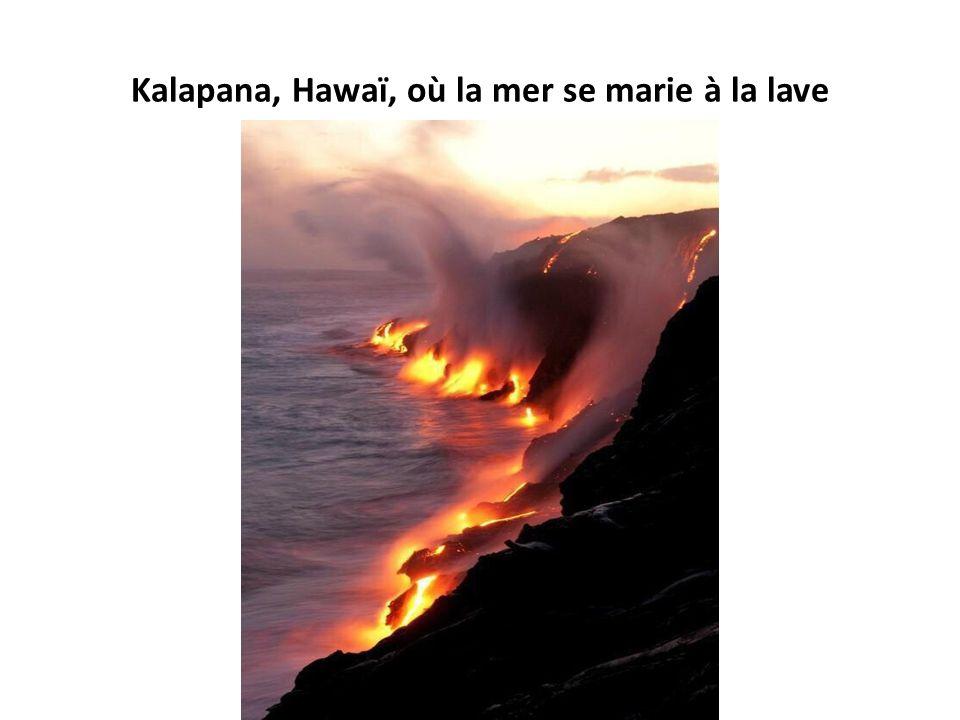 Kalapana, Hawaï, où la mer se marie à la lave