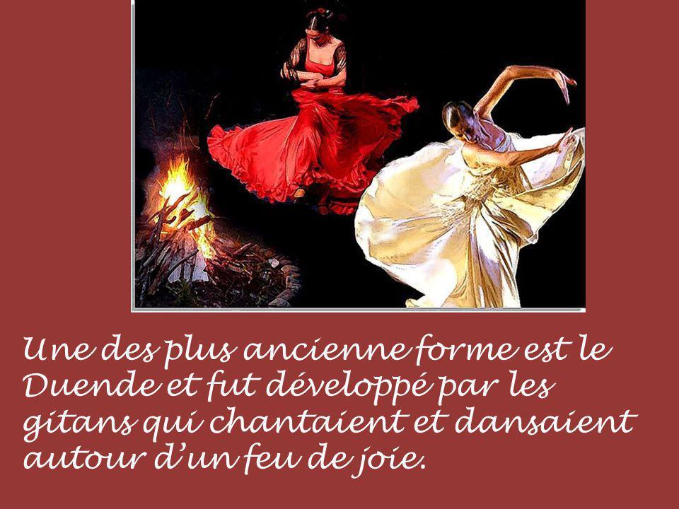 Une des plus ancienne forme est le Duende et fut développé par les gitans qui chantaient et dansaient autour d'un feu de joie.