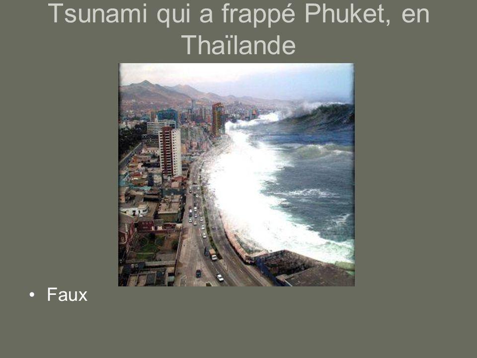 Tsunami qui a frappé Phuket, en Thaïlande