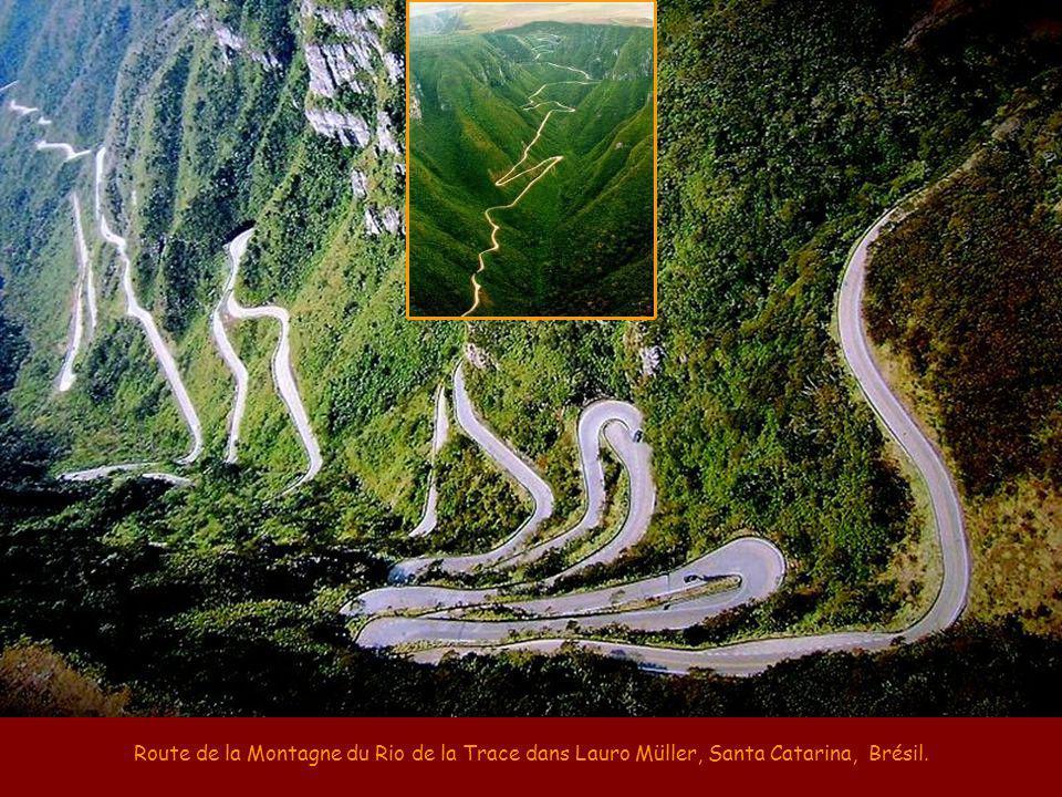 Route de la Montagne du Rio de la Trace dans Lauro Müller, Santa Catarina, Brésil.