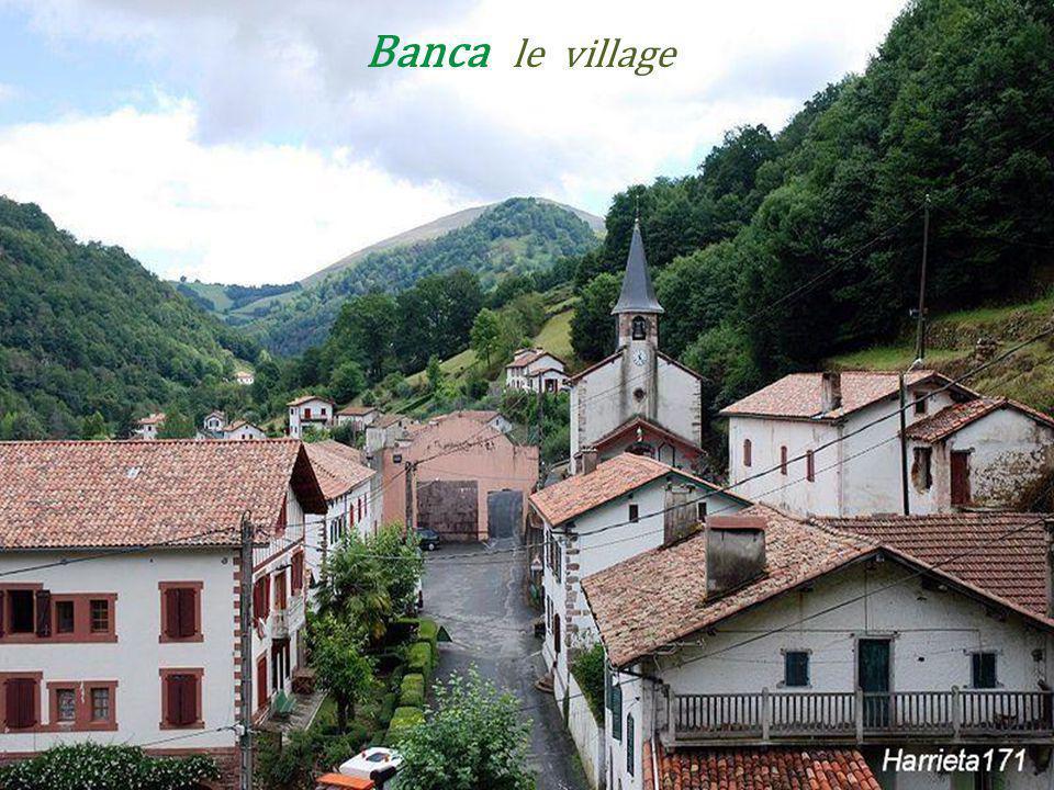 Banca le village