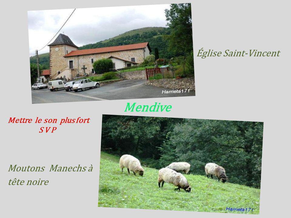 Mendive Église Saint-Vincent Moutons Manechs à tête noire