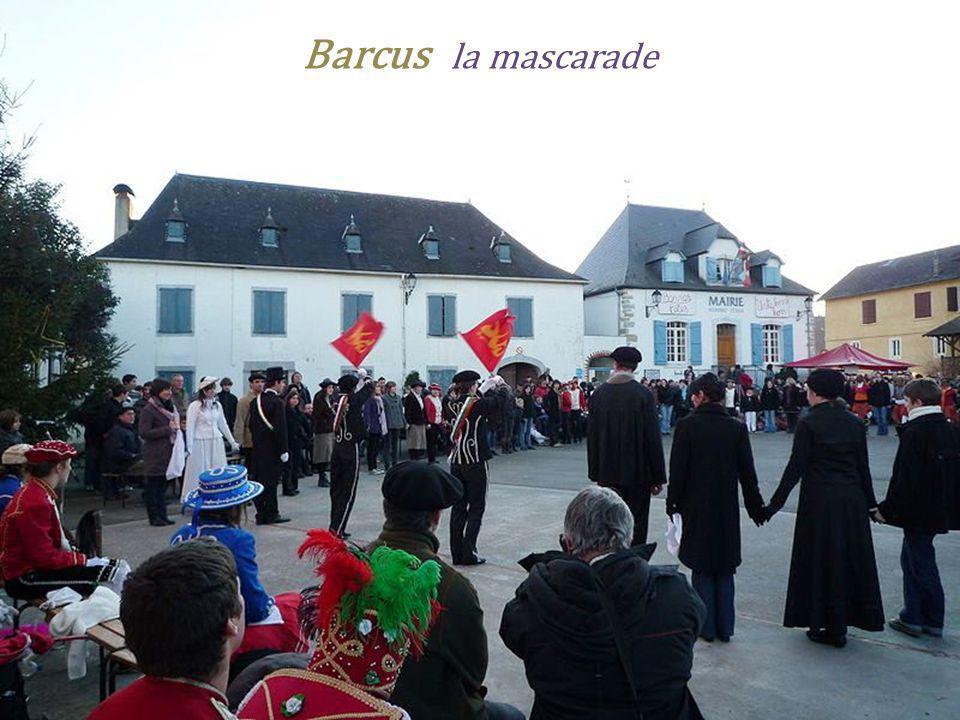 Barcus la mascarade