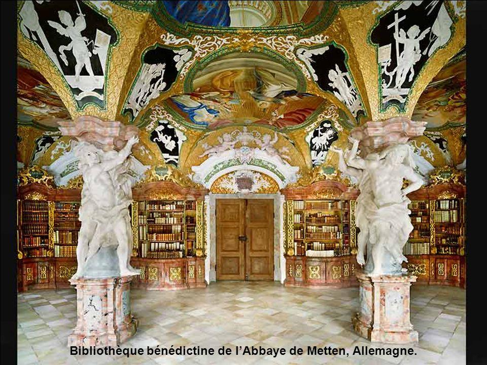 Bibliothèque bénédictine de l'Abbaye de Metten, Allemagne.