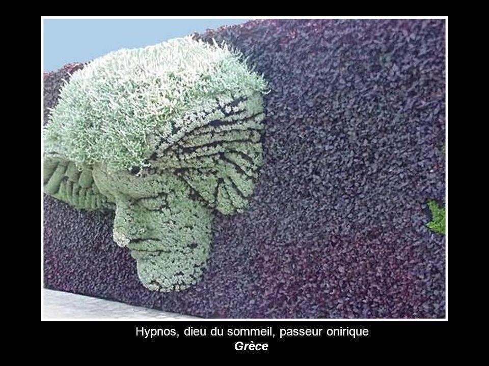 Hypnos, dieu du sommeil, passeur onirique