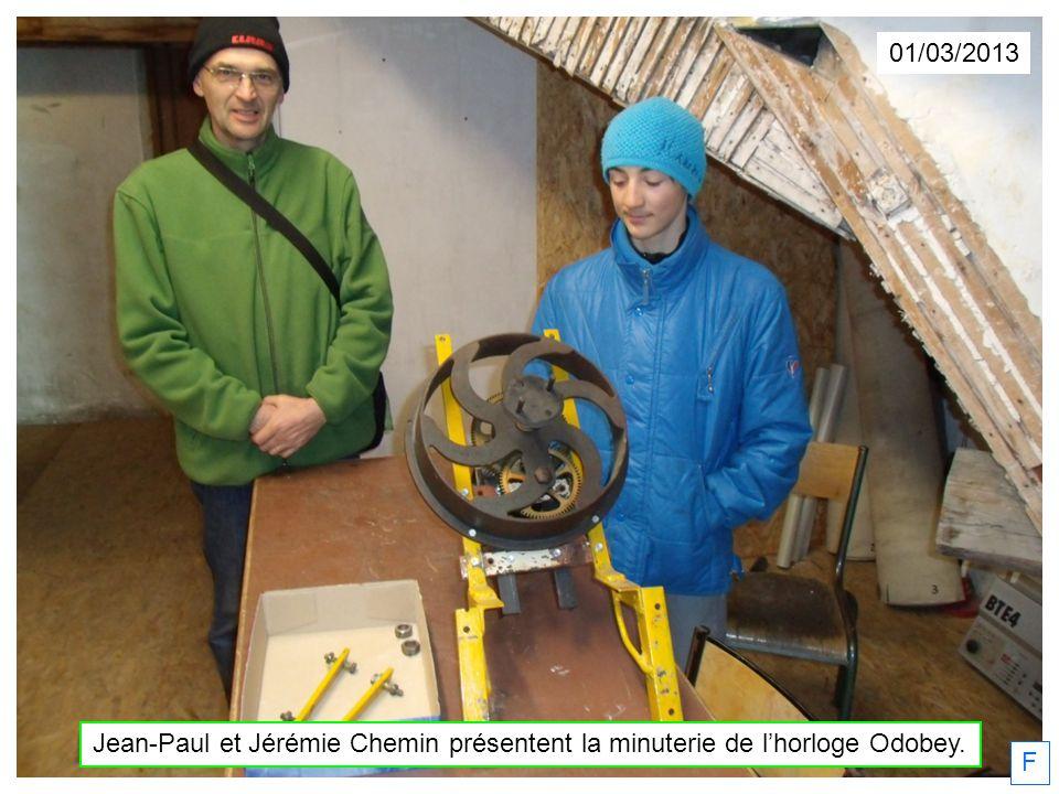 01/03/2013 Jean-Paul et Jérémie Chemin présentent la minuterie de l'horloge Odobey. F