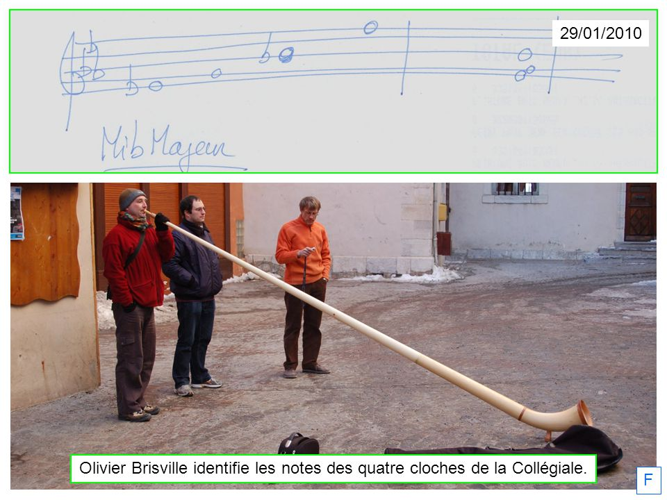 29/01/2010 Olivier Brisville identifie les notes des quatre cloches de la Collégiale. F