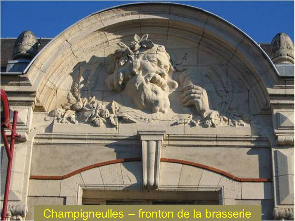 Champigneulles – fronton de la brasserie