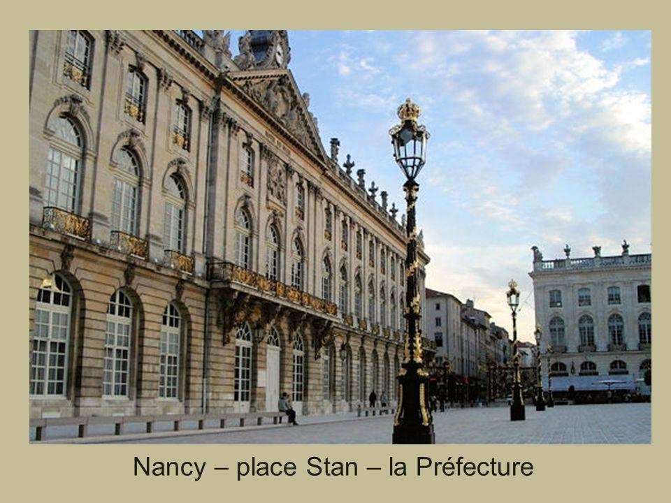 Nancy – place Stan – la Préfecture