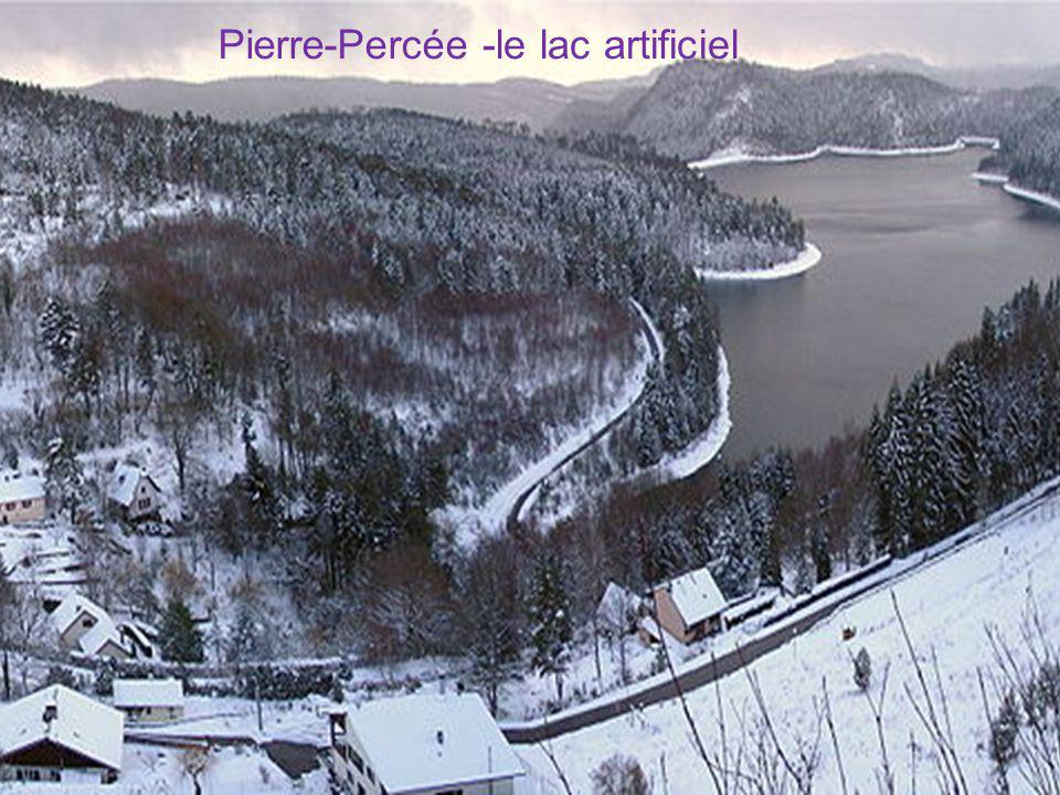 Pierre-Percée -le lac artificiel