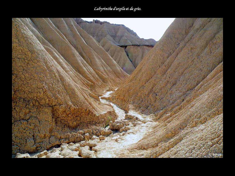 Labyrinthe d argile et de grès.