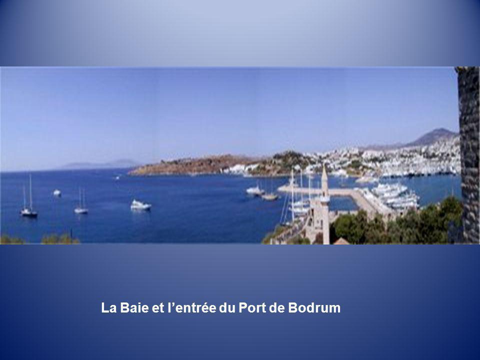 La Baie et l'entrée du Port de Bodrum