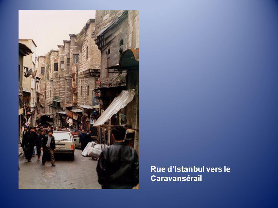 Rue d'Istanbul vers le Caravansérail