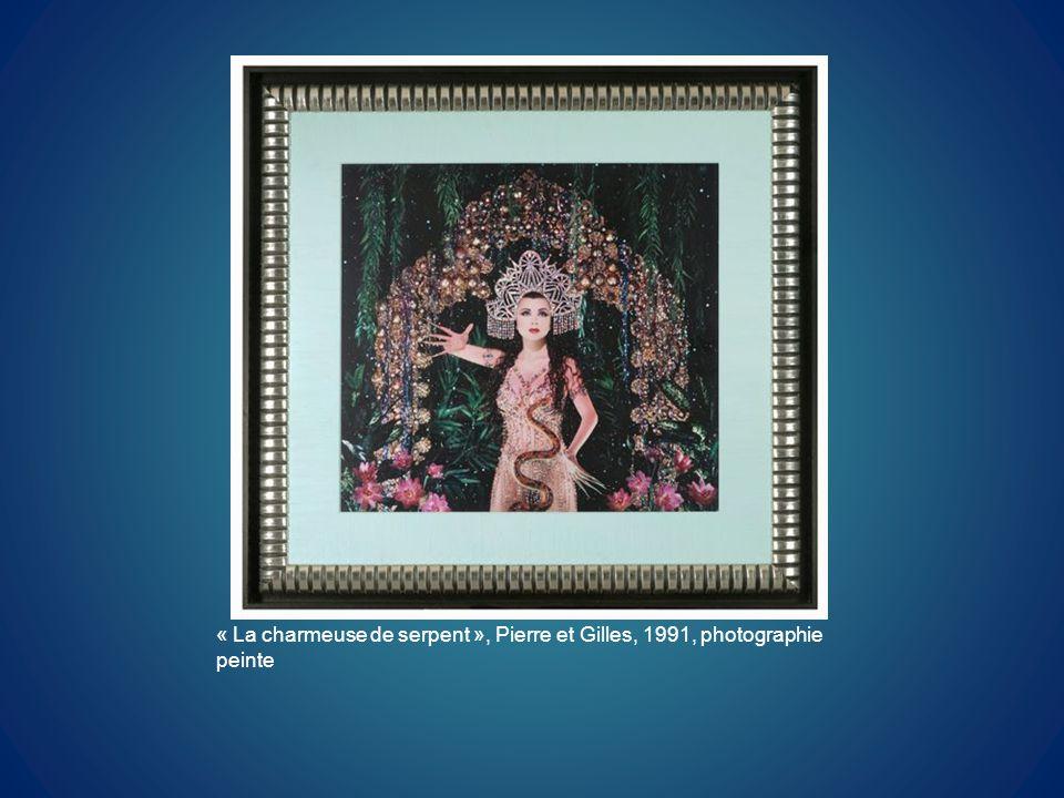 « La charmeuse de serpent », Pierre et Gilles, 1991, photographie peinte
