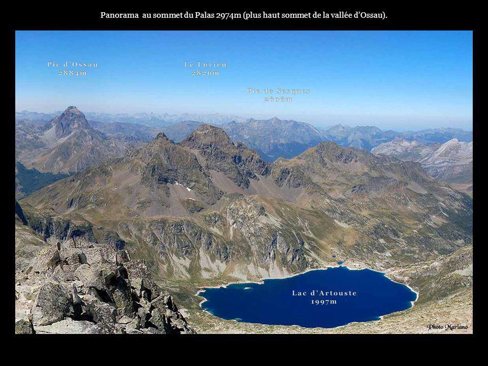 Panorama au sommet du Palas 2974m (plus haut sommet de la vallée d'Ossau).