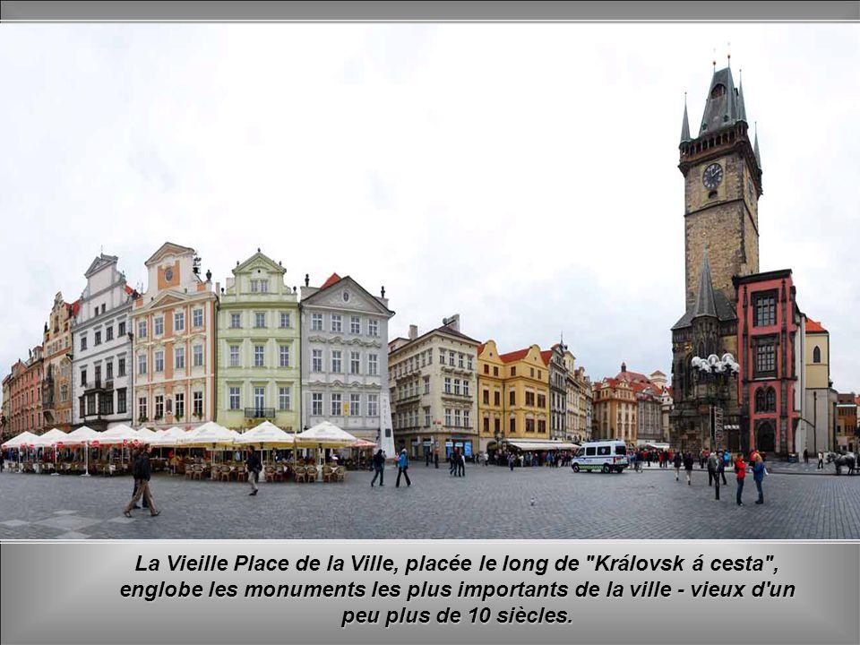 La Vieille Place de la Ville, placée le long de Královsk á cesta , englobe les monuments les plus importants de la ville - vieux d un peu plus de 10 siècles.
