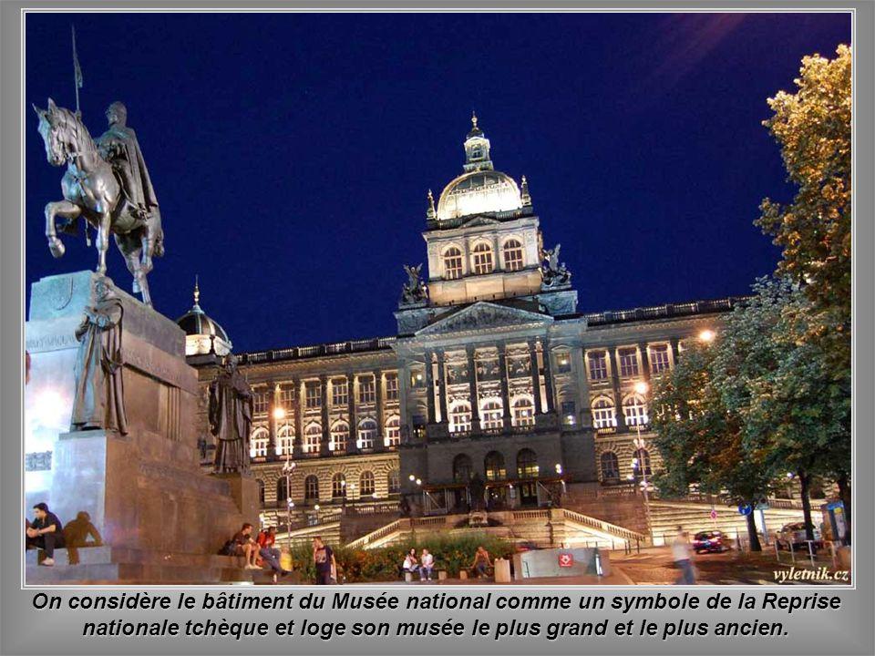 On considère le bâtiment du Musée national comme un symbole de la Reprise nationale tchèque et loge son musée le plus grand et le plus ancien.