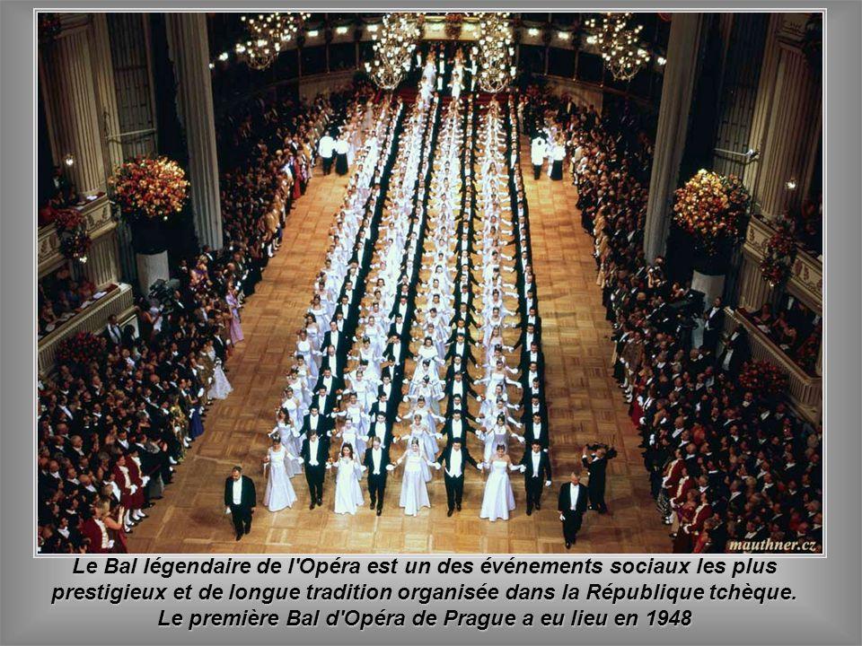 Le Bal légendaire de l Opéra est un des événements sociaux les plus prestigieux et de longue tradition organisée dans la République tchèque.