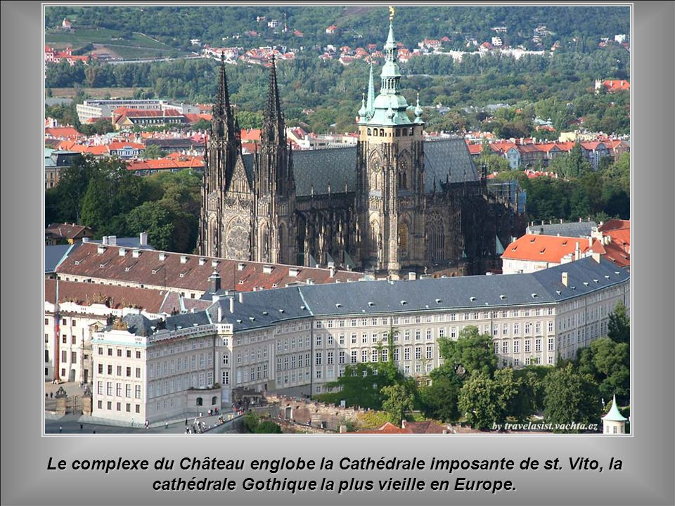 Le complexe du Château englobe la Cathédrale imposante de st