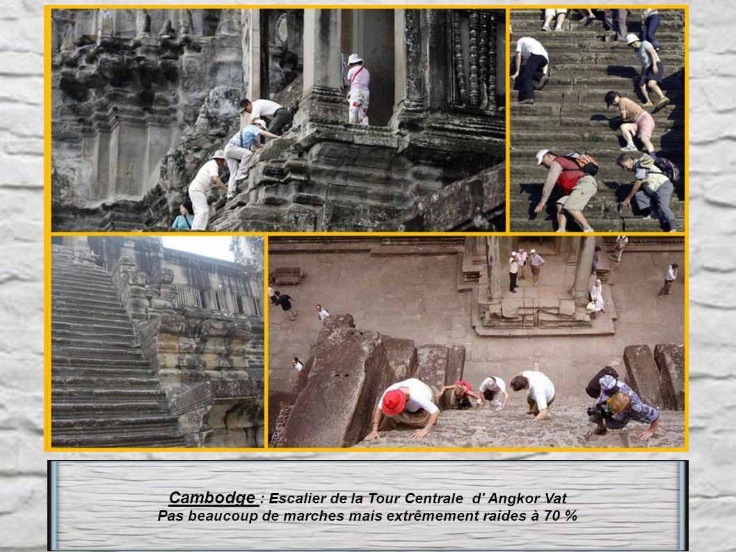 Cambodge : Escalier de la Tour Centrale d Angkor Vat