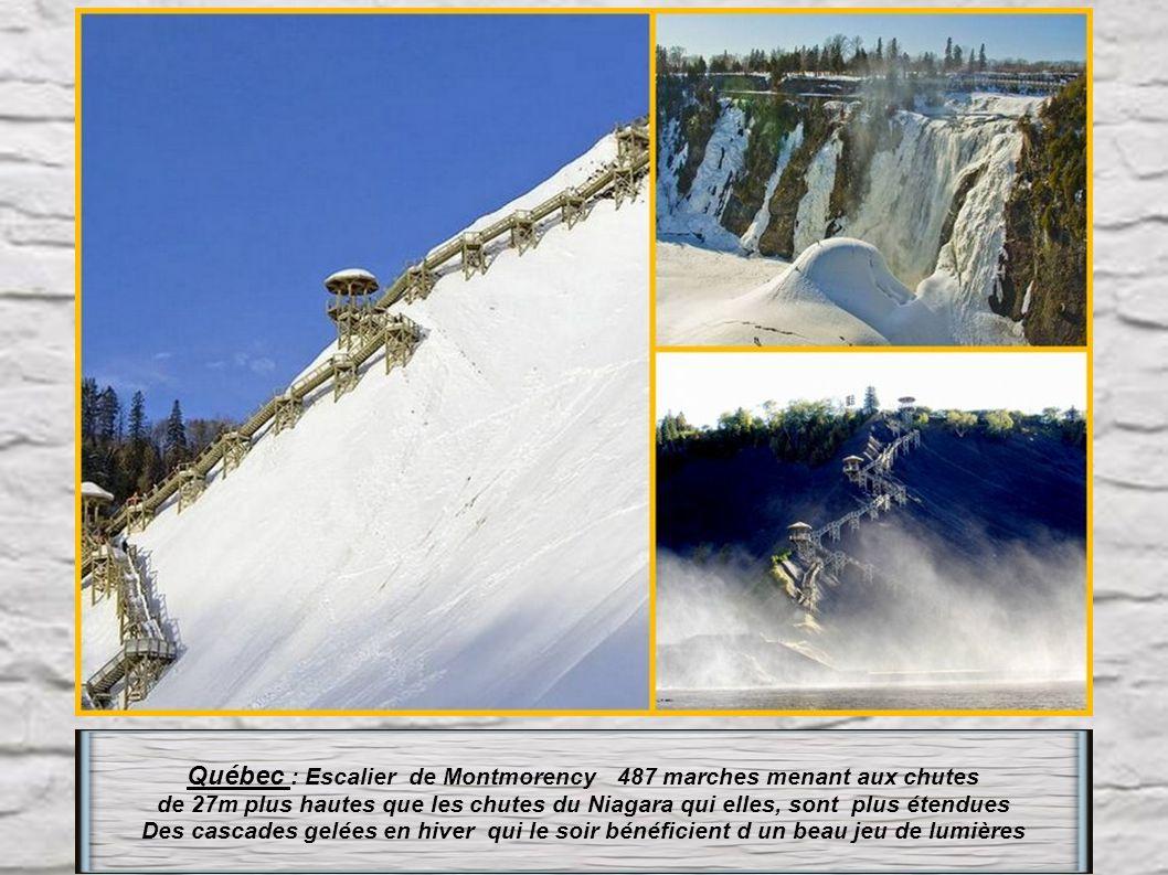 Québec : Escalier de Montmorency 487 marches menant aux chutes