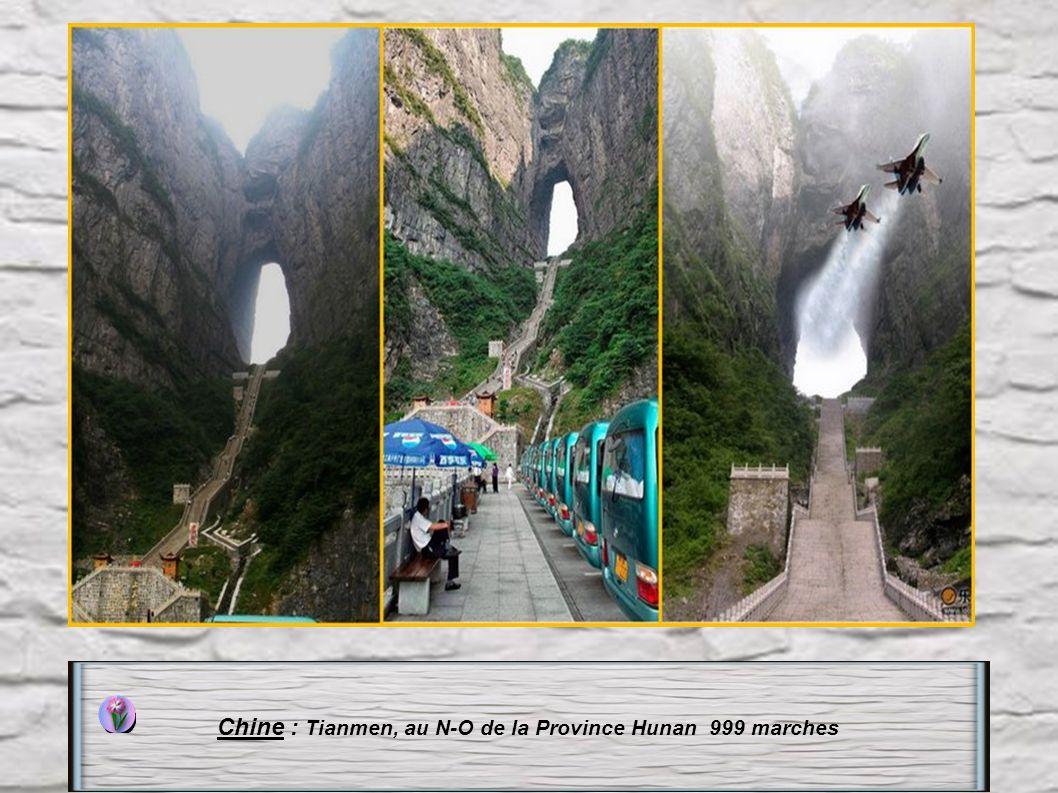 Chine : Tianmen, au N-O de la Province Hunan 999 marches