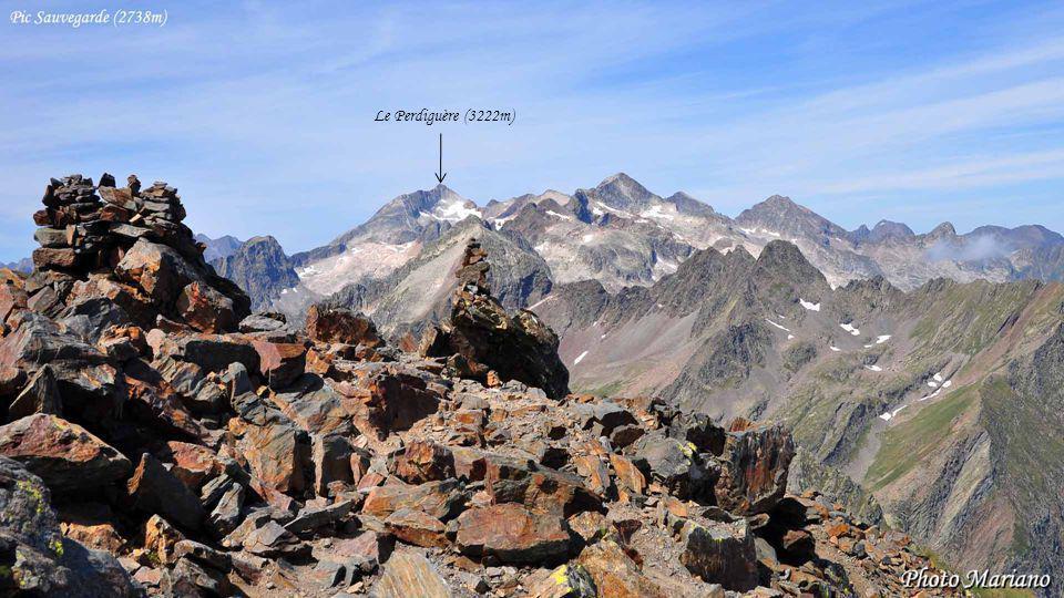 Le Perdiguère (3222m) . . . . . . .