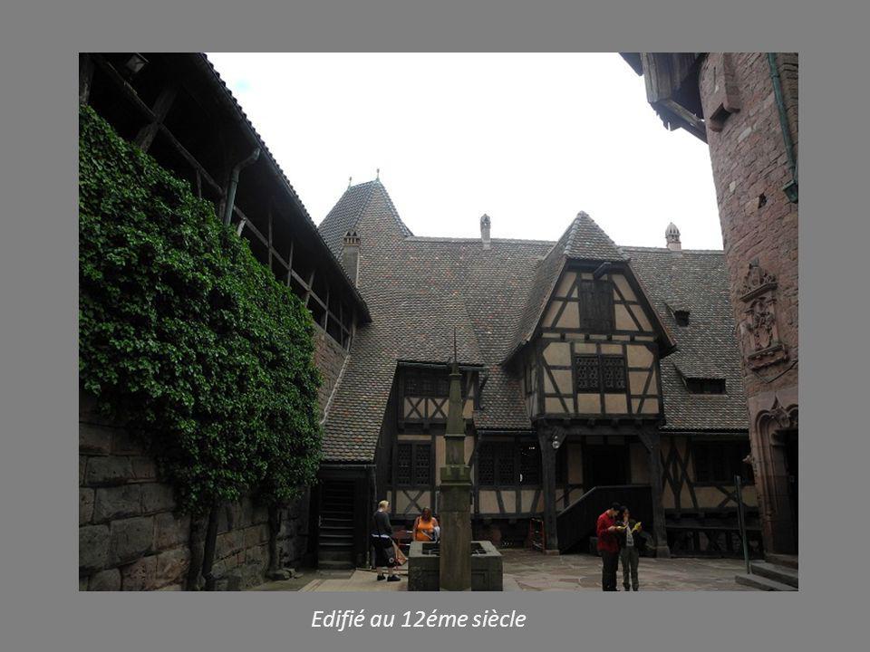 Edifié au 12éme siècle