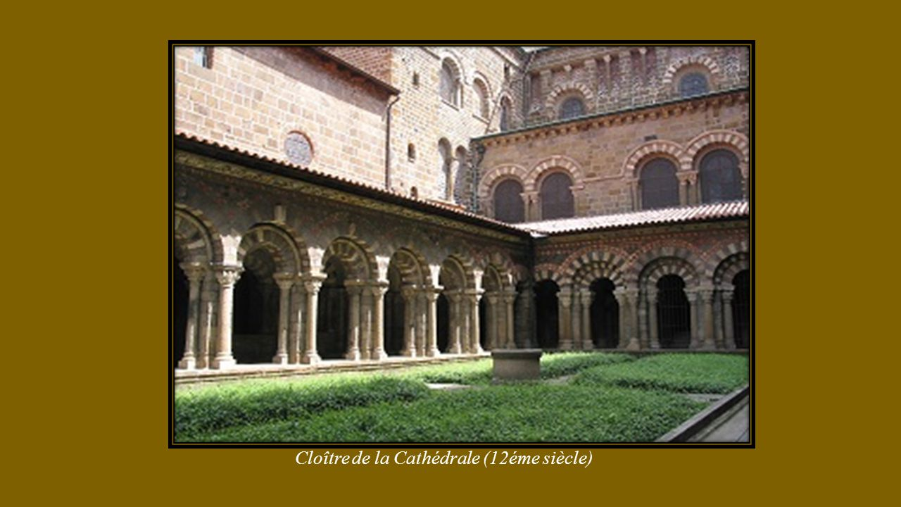 Cloître de la Cathédrale (12éme siècle)