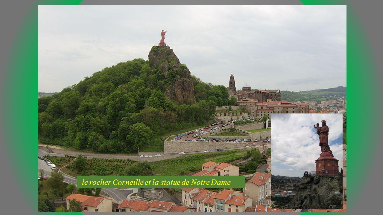 le rocher Corneille et la statue de Notre Dame