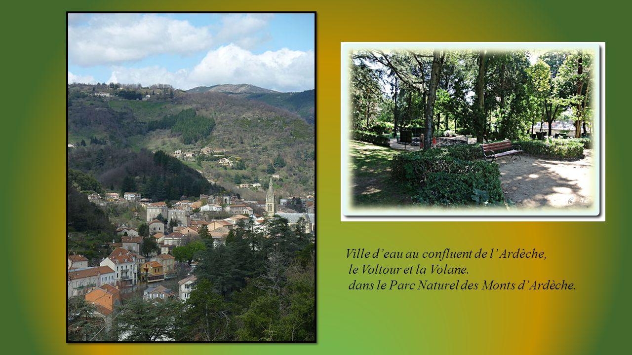 Ville d'eau au confluent de l' Ardèche,