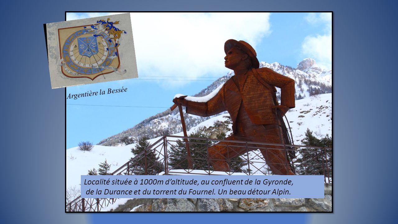 Localité située à 1000m d'altitude, au confluent de la Gyronde,