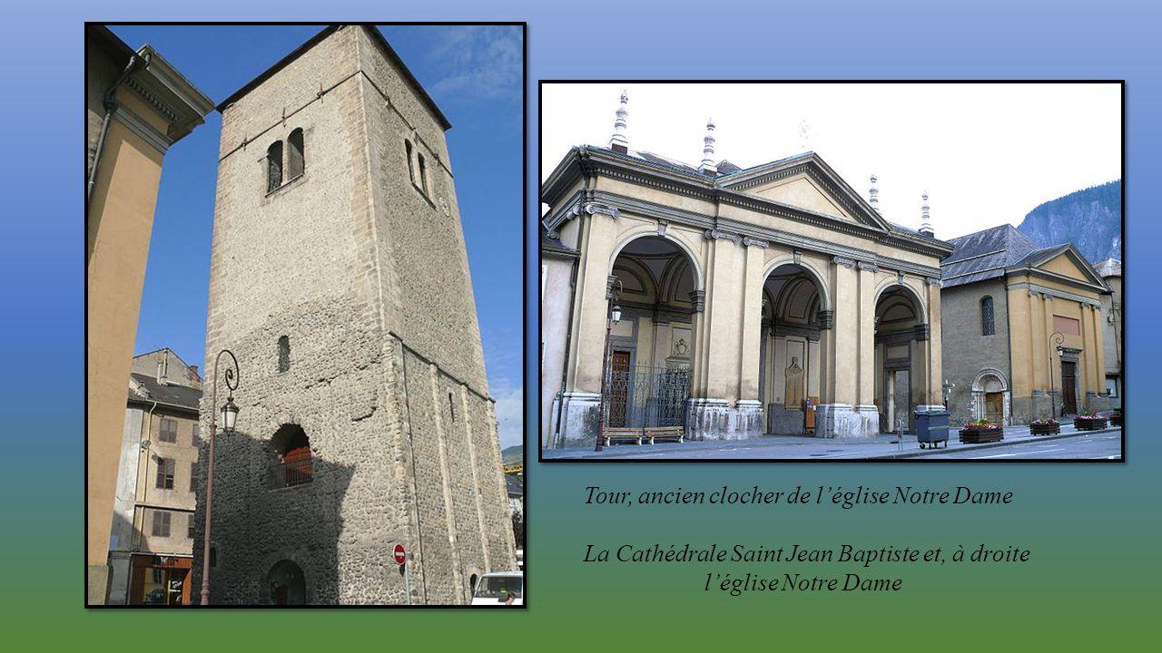 Tour, ancien clocher de l'église Notre Dame
